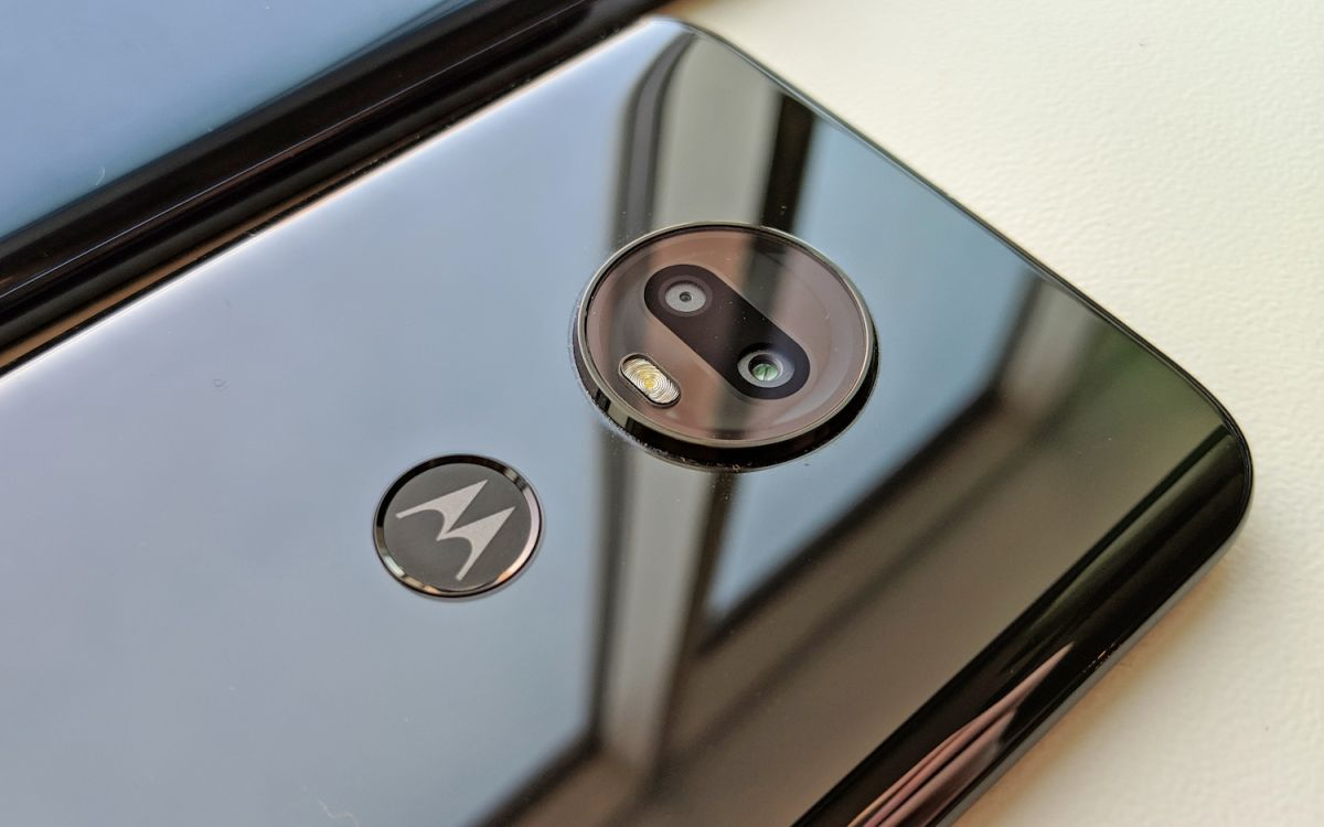 Moto G7 Hands-on Review: The Best Phone Under $300 Gets