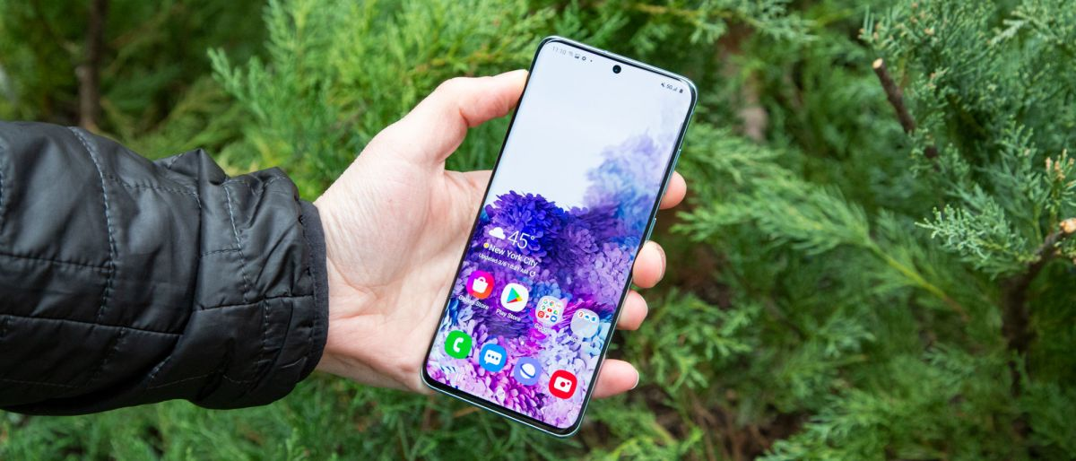 The Samsung Galaxy S20 offers a smooth 120Hz display, improved cameras and 5G in a fairly compact design, but the battery life could be better. The Sa