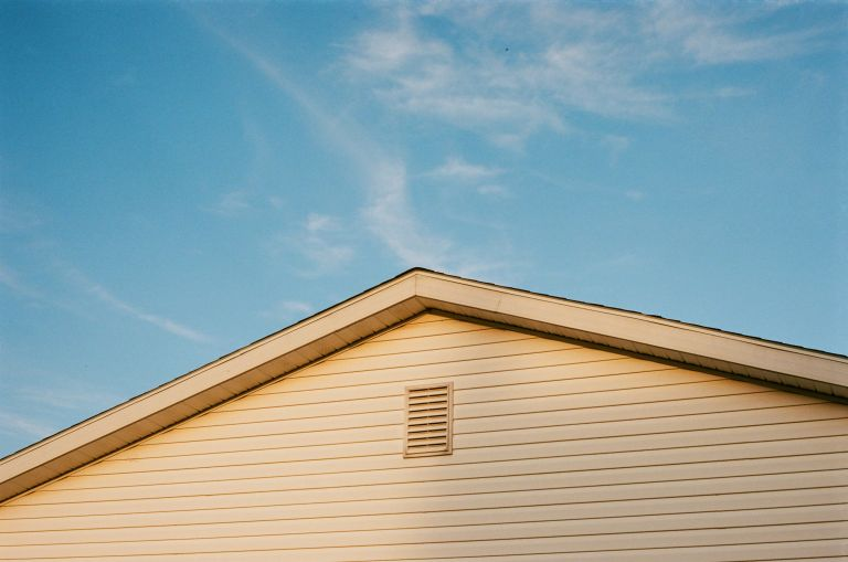 light colored vinyl siding