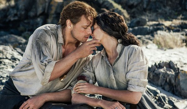 outlander season 3 jamie claire kiss