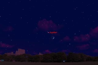 Jupiter in the night sky July 8 graphic