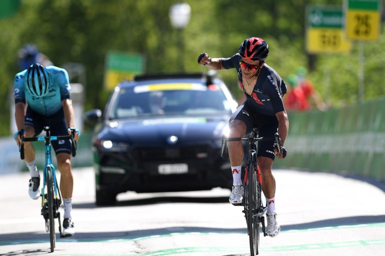 Richard Carapaz out-sprints Jakob Fuglsang to stage 5 victory at the Tour de Suisse 2021