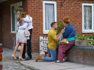 Coronation Street spoilers: Tyrone Dobbs suspects Hope started the fire