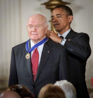 John Glenn receives Medal of Freedom from President Barack Obama on May 29, 2012.