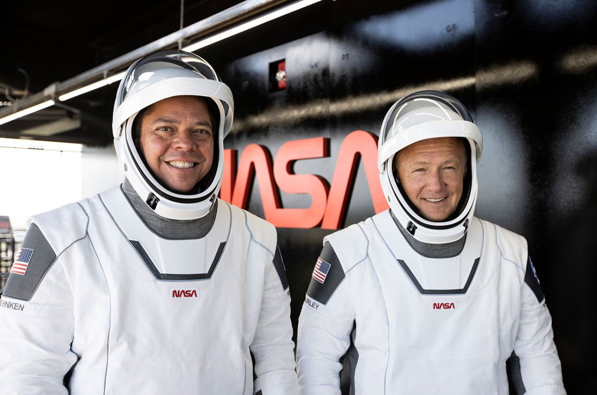 Why does SpaceX's historic astronaut flight for NASA have two commanders?