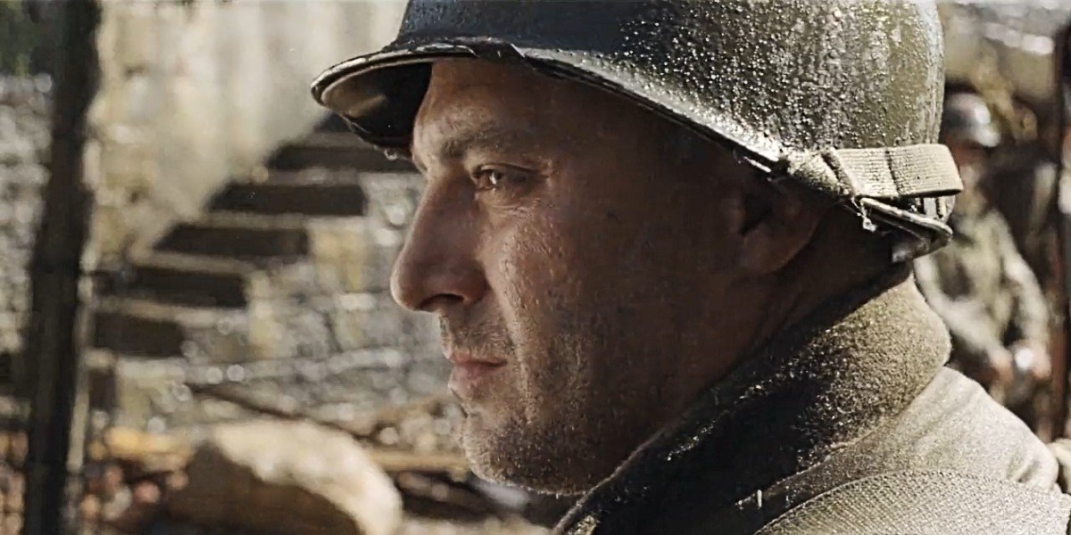 Tom Sizemore in Saving Private Ryan