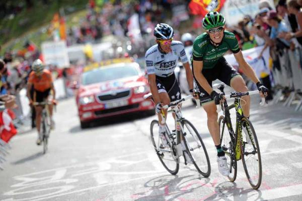 Contador marks Rolland in the finale of the Alpe d'Huez climb