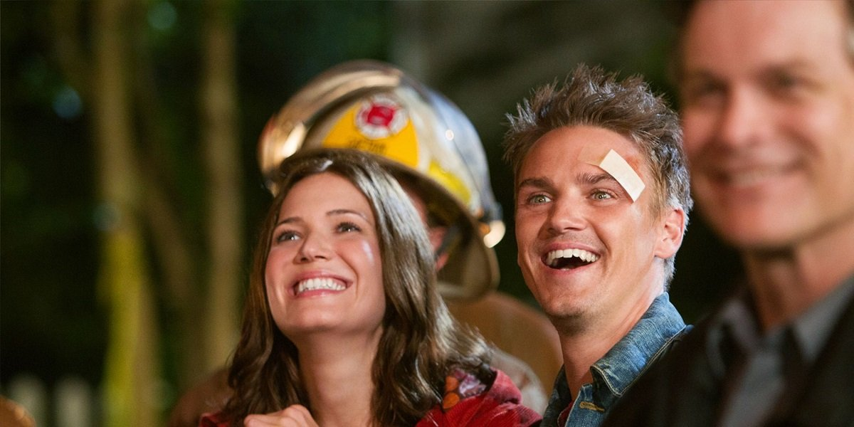 Mandy Moore in Hallmark's Christmas in Conway