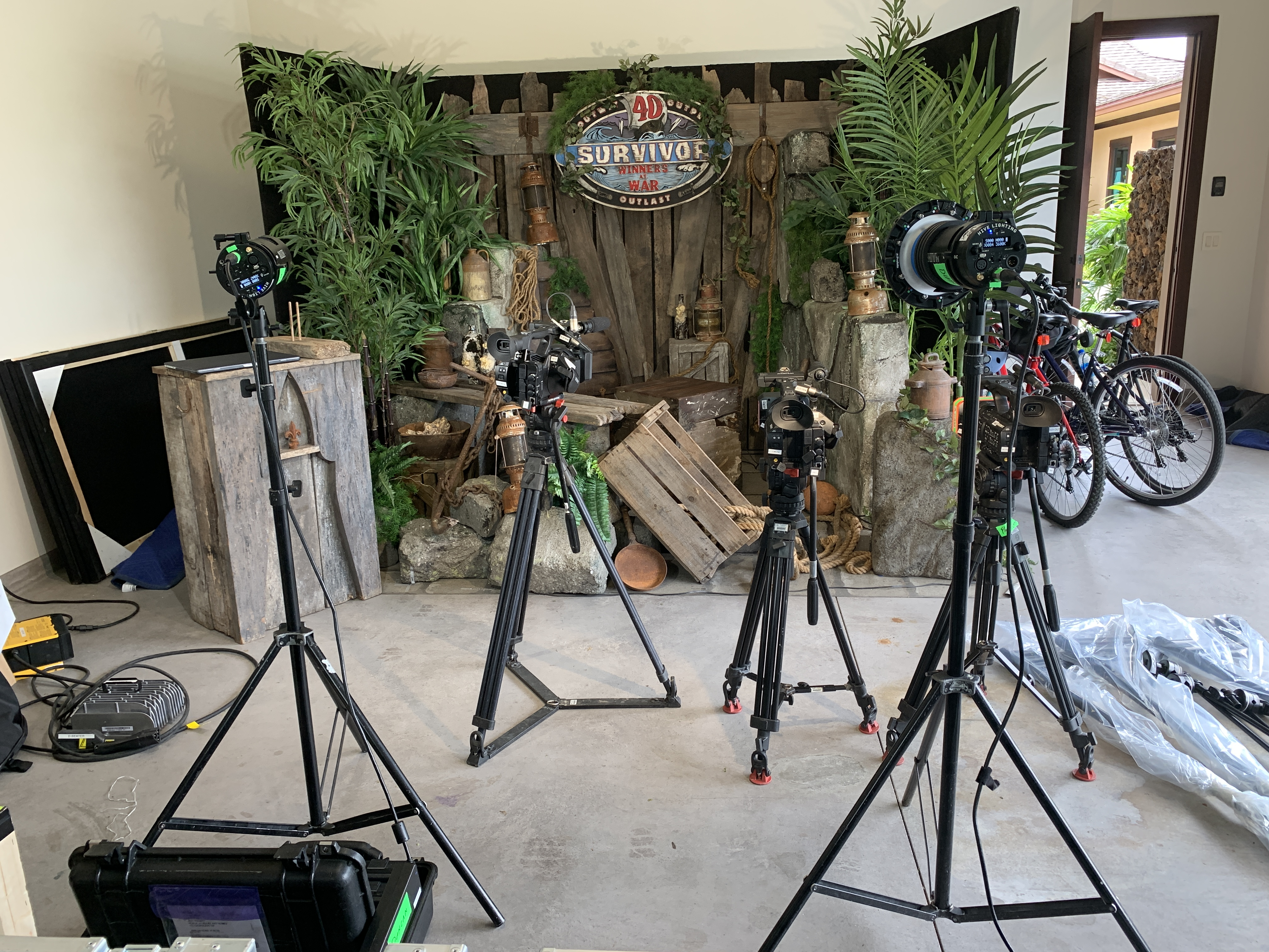 & nbsp; As soon as the Sony PXW-Z280 cameras were locked on their tripods, the producers of the show controlled zoom, focus and iris via the Internet via the XDCAM flight service. & nbsp;