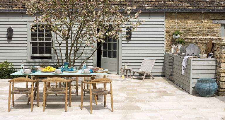 outdoor-kitchen-Paul-Raeside