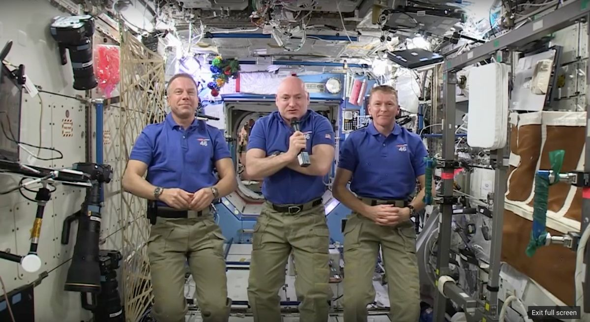 Astronauts Ring In New Year from Space (Video)