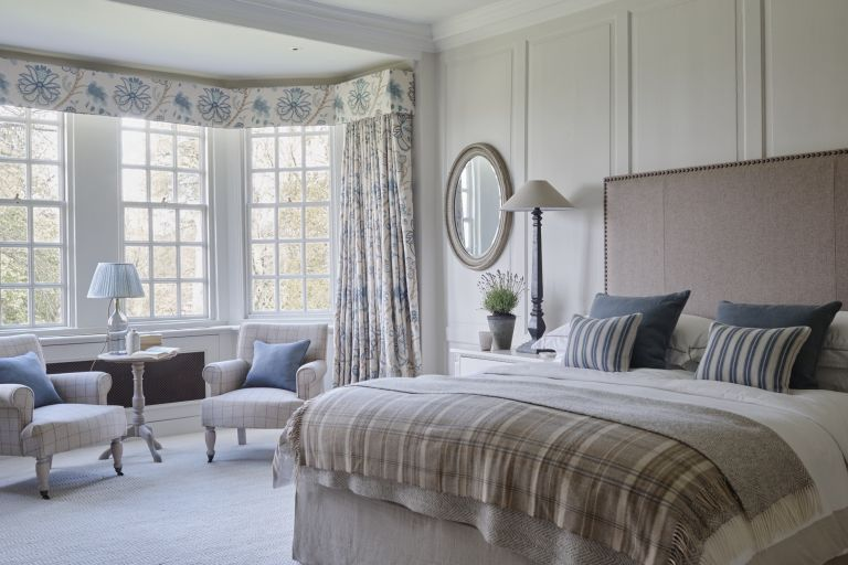 country style bedroom by Sims Hilditch