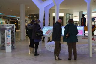 PresTop Modernizes Dutch Mall with Visualplanet Touchfoil