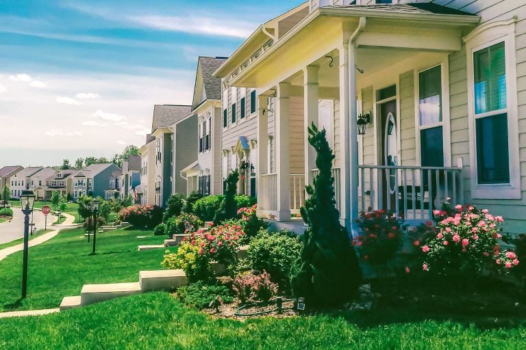 landscaping mistakes that put off buyers