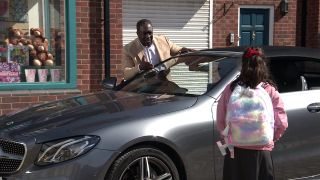Coronation Street spoilers: Hope Stape runs into the path of Ronnie's car!