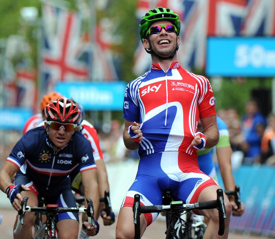 Mark Cavendish wins London-Surrey Cycle Classic 2011
