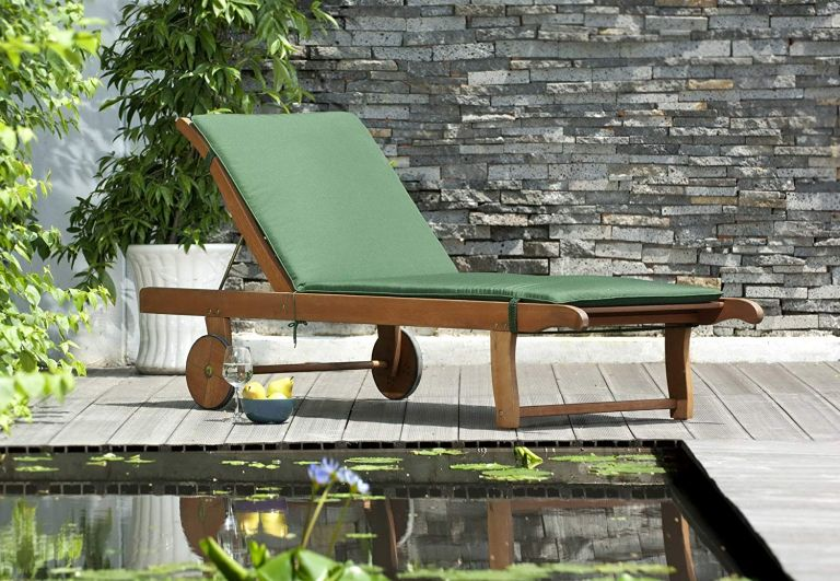 Get £££s off Amazon garden sun loungers in time for the Bank Holiday weekend | Real Homes