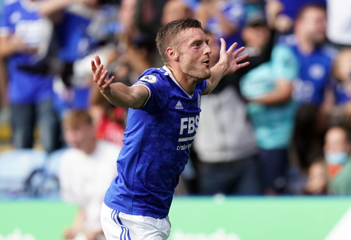 Brendan Rodgers hails 'superb' Jamie Vardy after double salvages Leicester draw