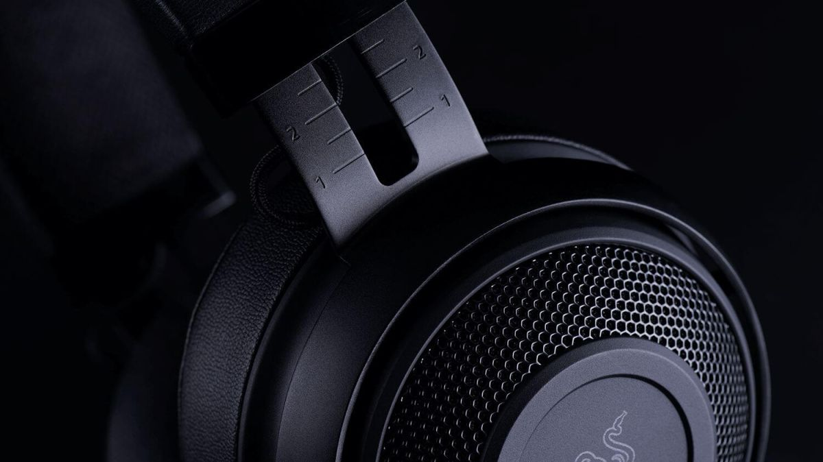 Suited for consoles and PC, the Razer Kraken Pro V2 is 38% off