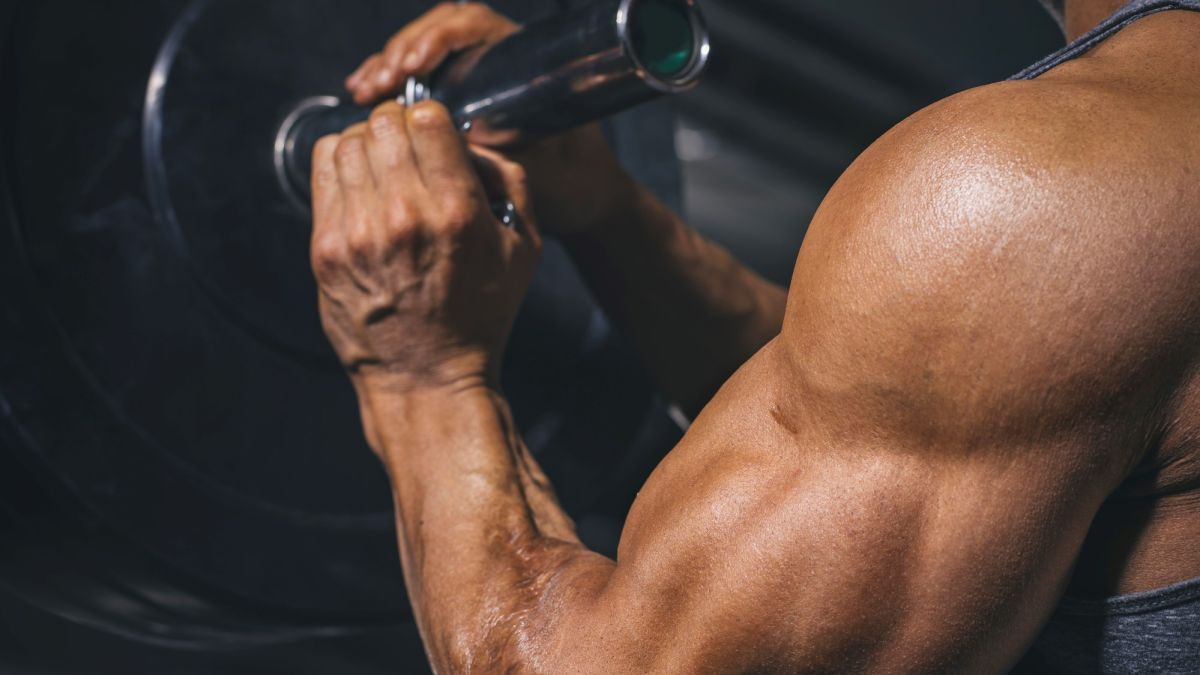 Flex your biceps and build BIG shoulders with this pull-day arm exercise