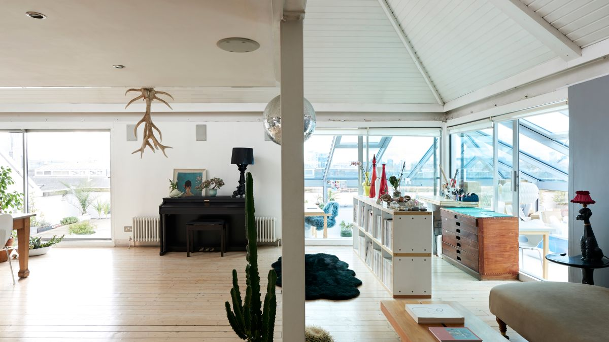 The top lessons in rooftop living we'd take from this gorgeous penthouse in a London warehouse conversion