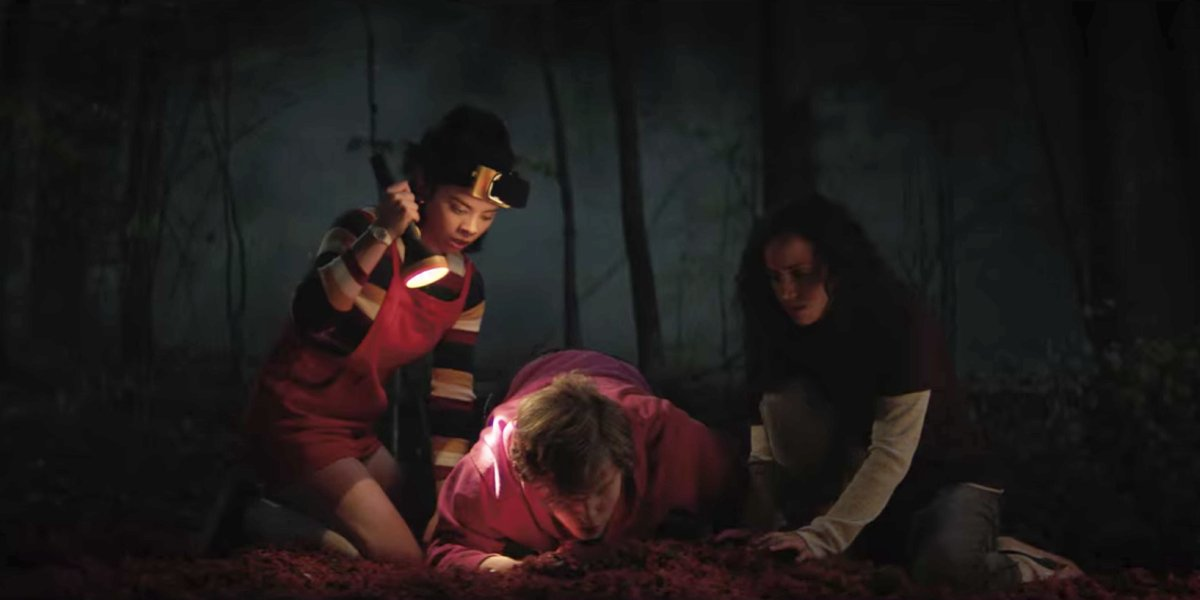 Julia Rehwald, Fred Hechinger, and Kiana Medeira in Fear Street Part One: 1994