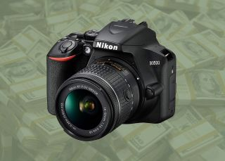 Save 60% on a Nikon D3500, TWO lenses, 128GB card and MORE in Amazon deal!