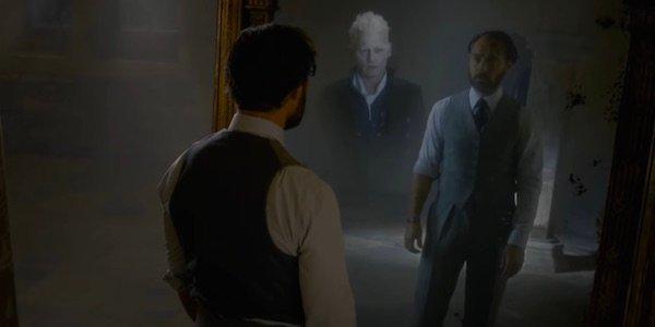 Dumbledore stares at mirror fantastic beasts 2