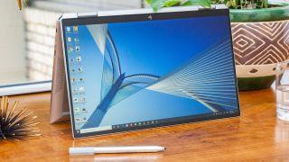 El Spectre x360 13 de HP es el mejor portátil 2 en 1 por su diseño elegante, rendimiento rápido y hermosas pantallas. & Nbsp;