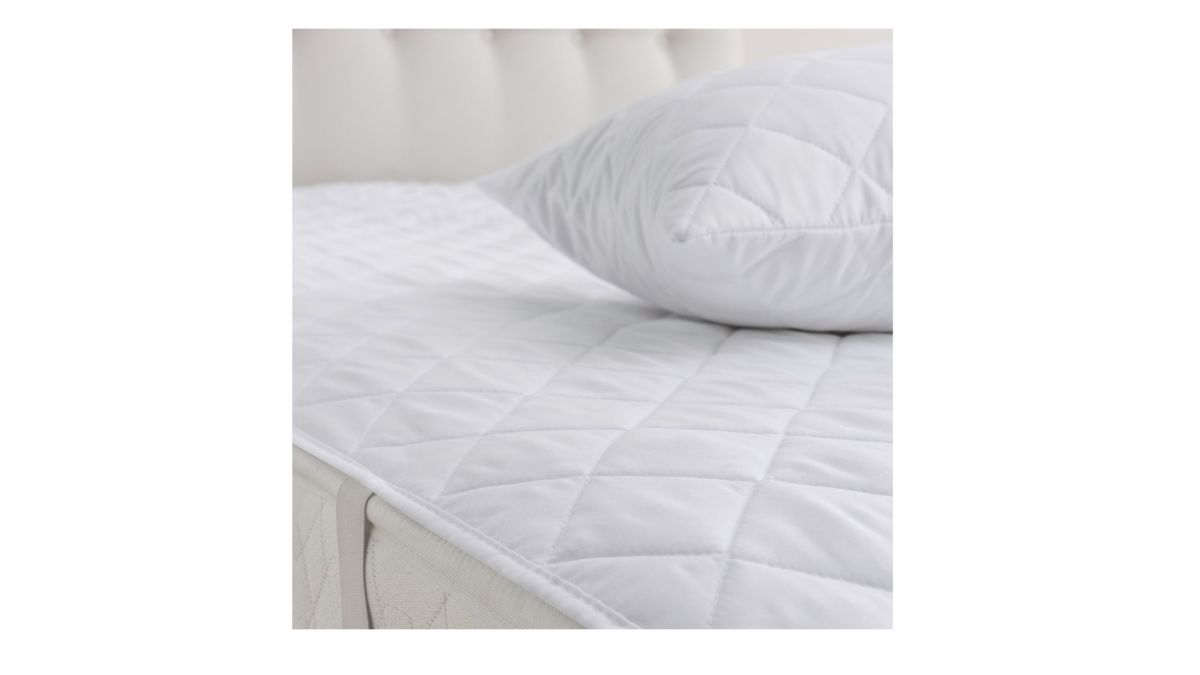 lowest price 09a56 00866 Best mattress protector: 13 sweat-, spill- and allergy-proof ...