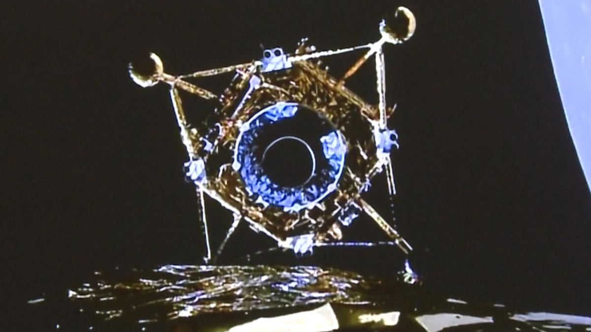 China's Chang'e 5 poised for historic moon landing to collect lunar samples