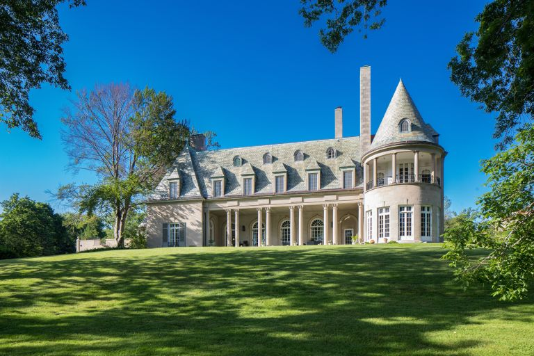 Long Island Gatsby house