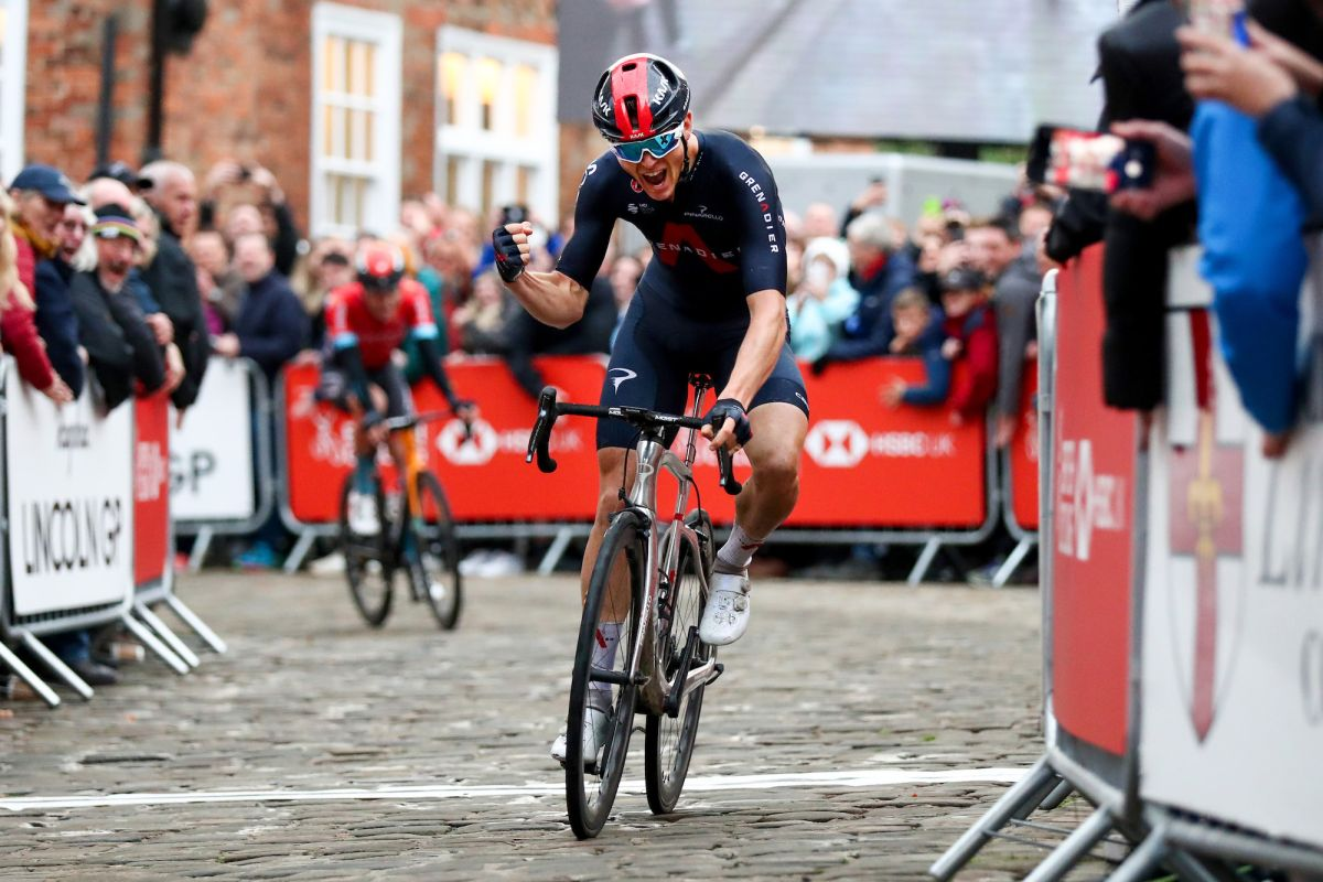 Ben Swift successfully defends British National Road Race title