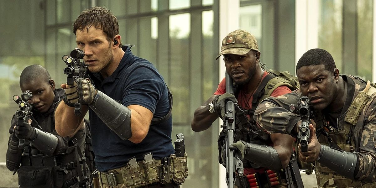 Chris Pratt and other soldiers in The Tomorrow War
