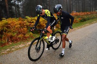 VINUESA SPAIN OCTOBER 22 Johan Esteban Chaves Rubio of Colombia and Team Mitchelton Scott Tsgabu Gebremaryam Grmay of Ethiopia and Team Mitchelton Scott Mechanical Problem during the 75th Tour of Spain 2020 Stage 3 a 1661km stage from Lodosa to La Laguna Negra Vinuesa 1735m lavuelta LaVuelta20 La Vuelta on October 22 2020 in Vinuesa Spain Photo by Justin SetterfieldGetty Images