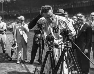 Lou Gehrig giving his farewell speech in Yankee Stadium in 1939