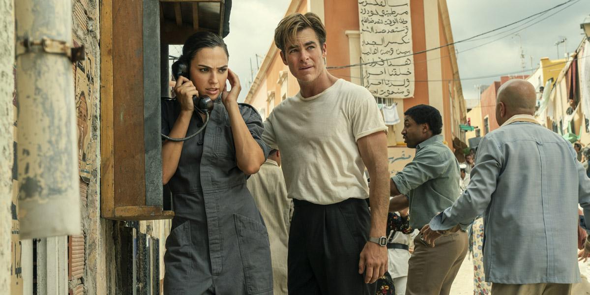 Gal Gadot and Chris Pine in Wonder Woman 1984