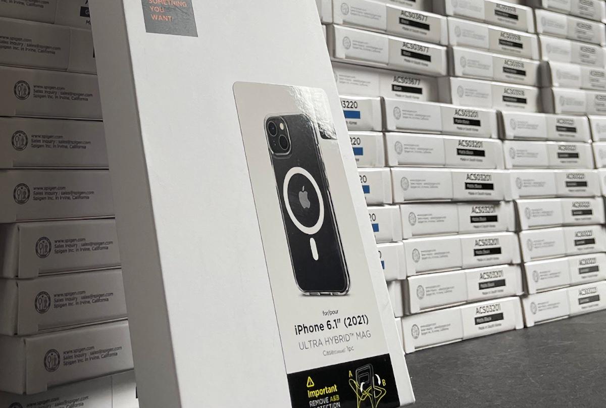 iphone 13 spigen case leak