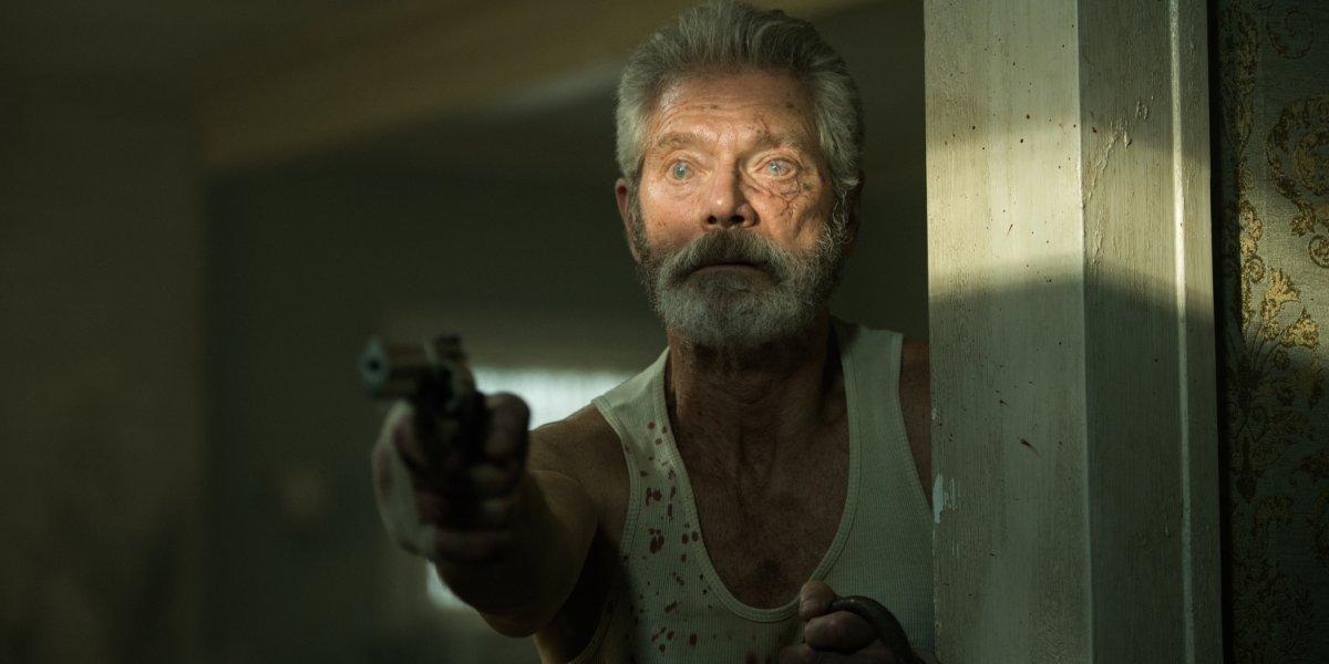Don't Breathe Stephen Lang blindly aims his gun