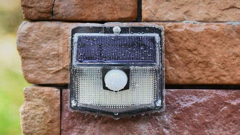 Outdoor light deal: Mpow Motion Sensor Security Light
