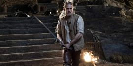 Charlie Hunnam Would Be Game For Redoing King Arthur: Legend Of The Sword