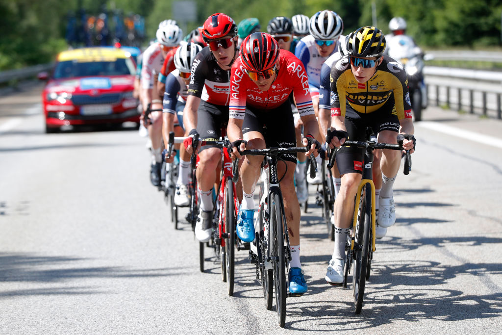 LES GETS FRANCE JUNE 06 Warren Barguil of France and Team Arka Samsic Jonas Vingegaard Rasmussen of Denmark and Team Jumbo Visma in the Breakaway during the 73rd Critrium du Dauphin 2021 Stage 8 a 147km stage from La LchreLesBains to Les Gets 1160m UCIworldtour Dauphin dauphine on June 06 2021 in Les Gets France Photo by Bas CzerwinskiGetty Images