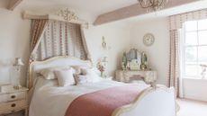 Period living real homes for Arredamento stile parigino