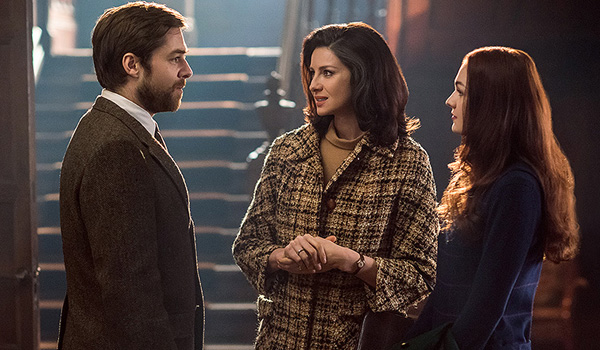 claire brianna and roger talking outlander