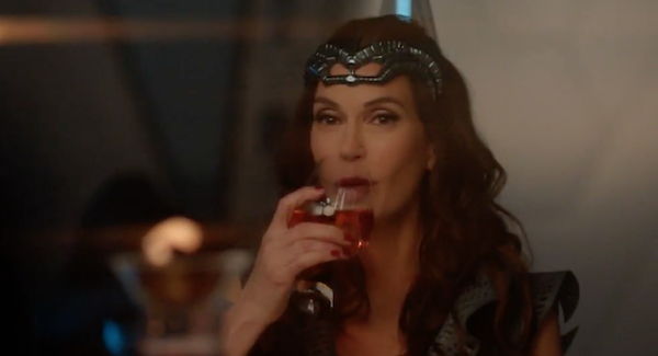 supergirl teri hatcher wine