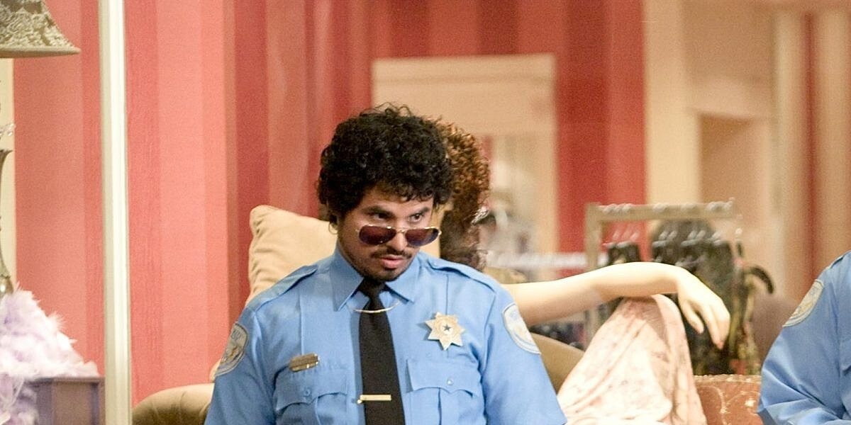 Dennis Chavante in Observe and Report