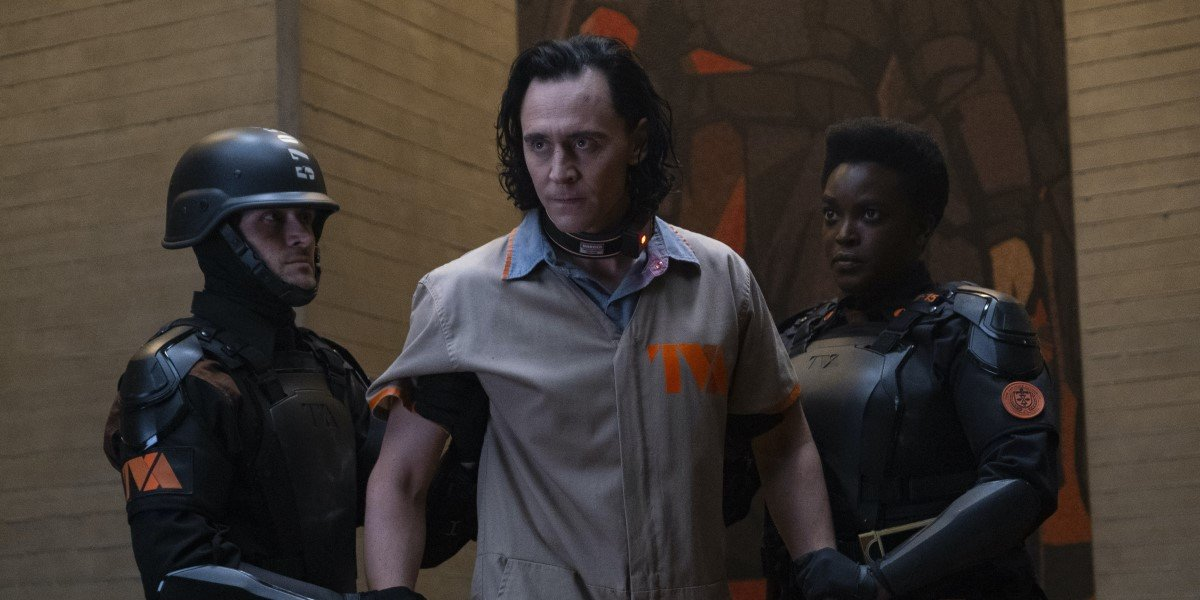 the tva holding tom hiddleston's loki in episode 1