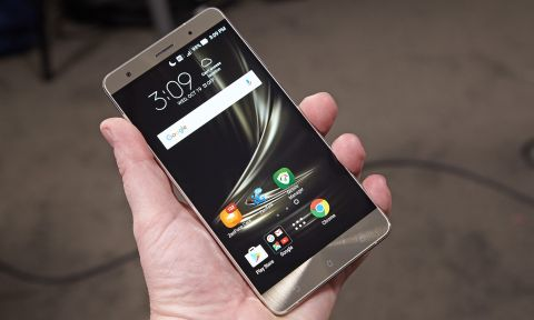 Asus ZenFone 3 Deluxe Review: Great Looks and Performance, Meh