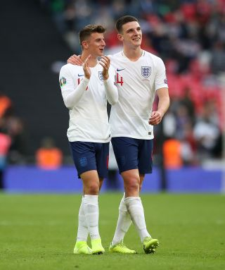 Declan Rice (right) has defended England team-mate Mason Mount.