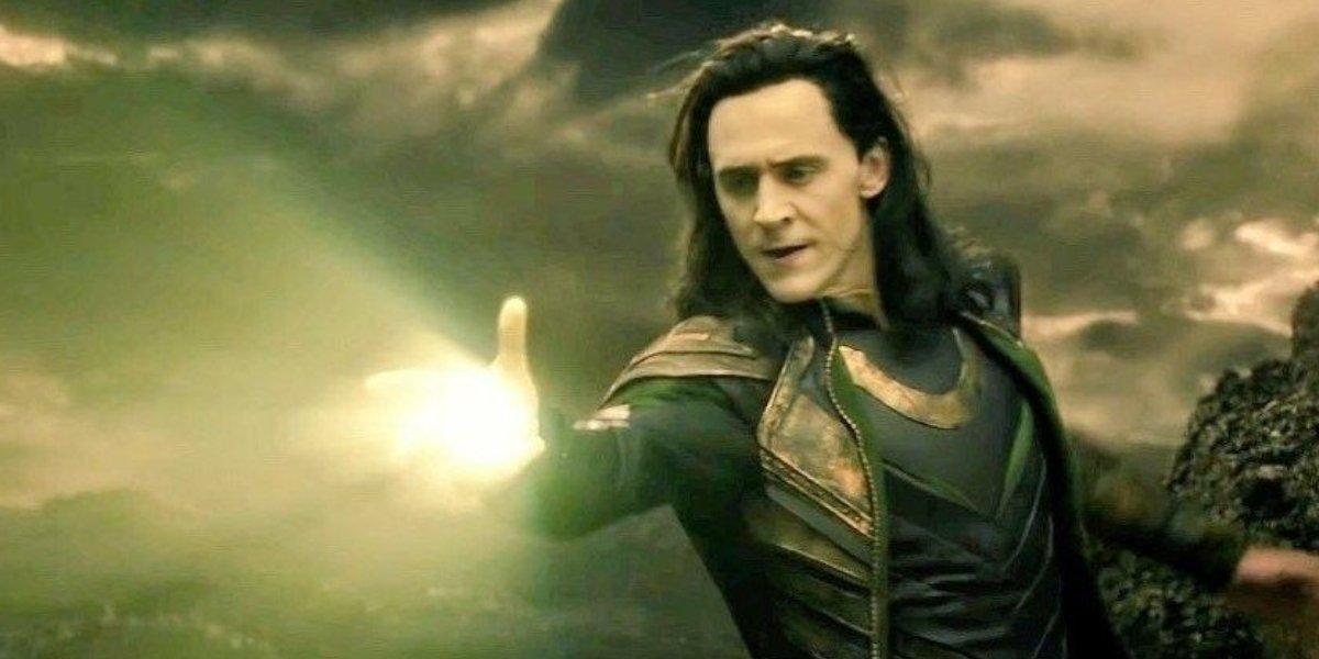 Loki using magic in Thor: The Dark World